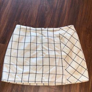 Cato window pane White and black skirt